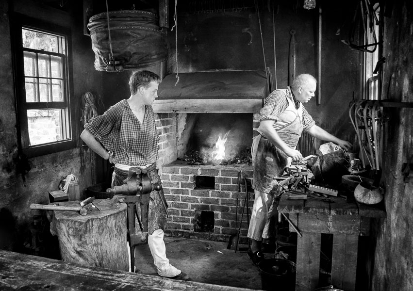 Blacksmiths, Middleton Place, South Carolina : monochrom : TIMOTHY FLOYD PHOTOGRAPHER, NATURE PHOTOGRAPHY, PHOTO ESSAYS, PHOTOJOURNALISM