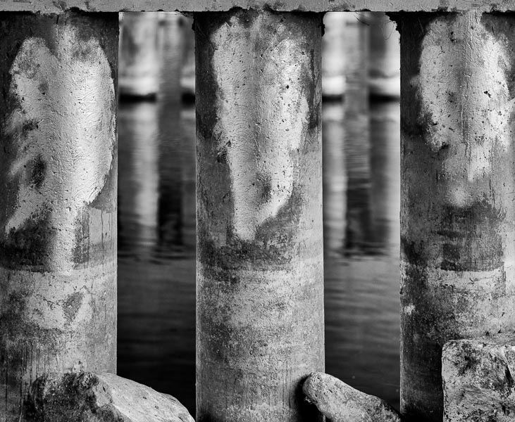 Bridge Pilings : monochrom : TIMOTHY FLOYD PHOTOGRAPHER, NATURE PHOTOGRAPHY, PHOTO ESSAYS, PHOTOJOURNALISM