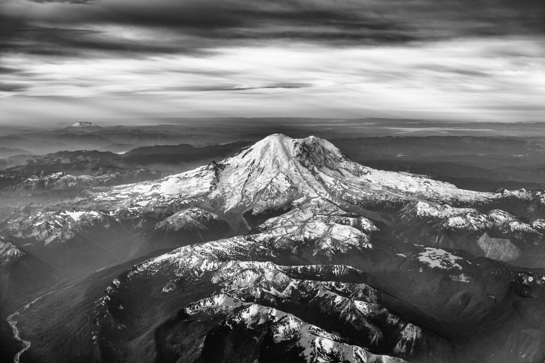 Mt. Ranier, Washington : monochrom : TIMOTHY FLOYD PHOTOGRAPHER, NATURE PHOTOGRAPHY, PHOTO ESSAYS, PHOTOJOURNALISM