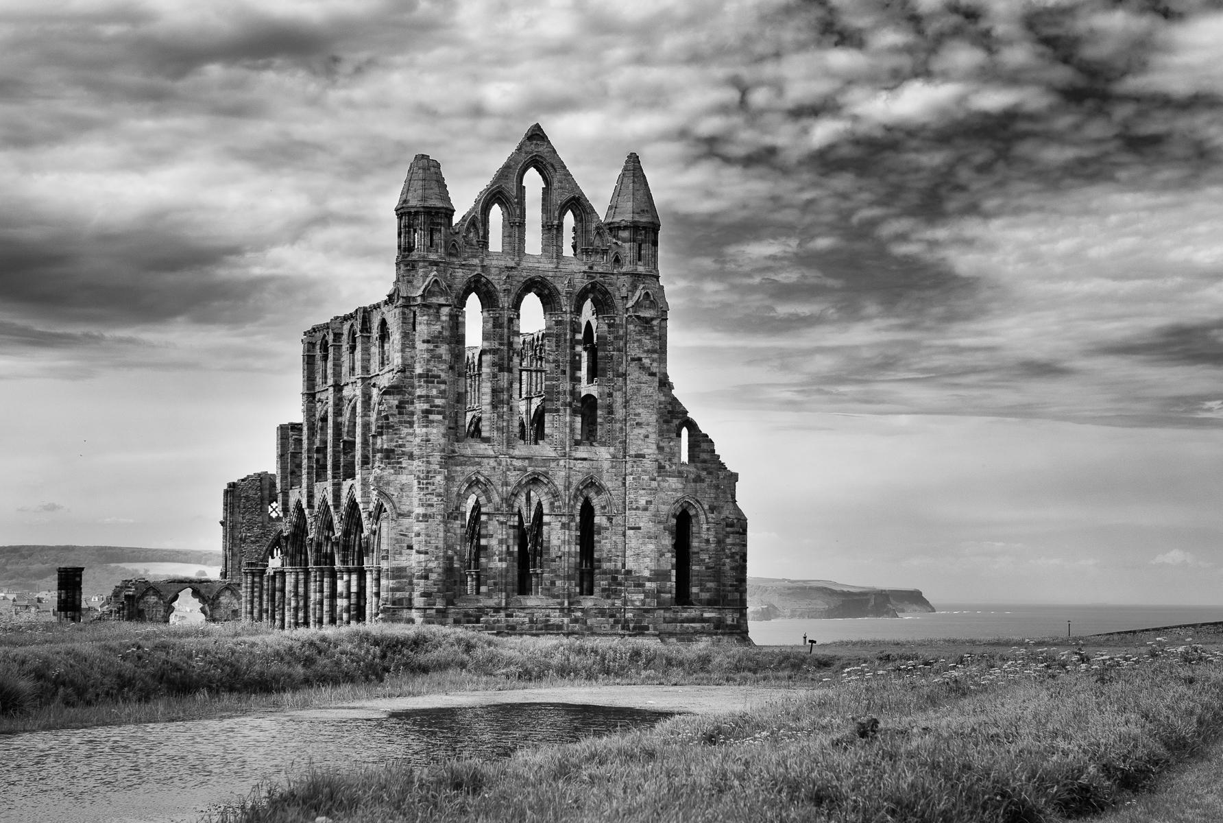 Whitby Abbey : street & stories : TIMOTHY FLOYD PHOTOGRAPHER, NATURE PHOTOGRAPHY, PHOTO ESSAYS, PHOTOJOURNALISM