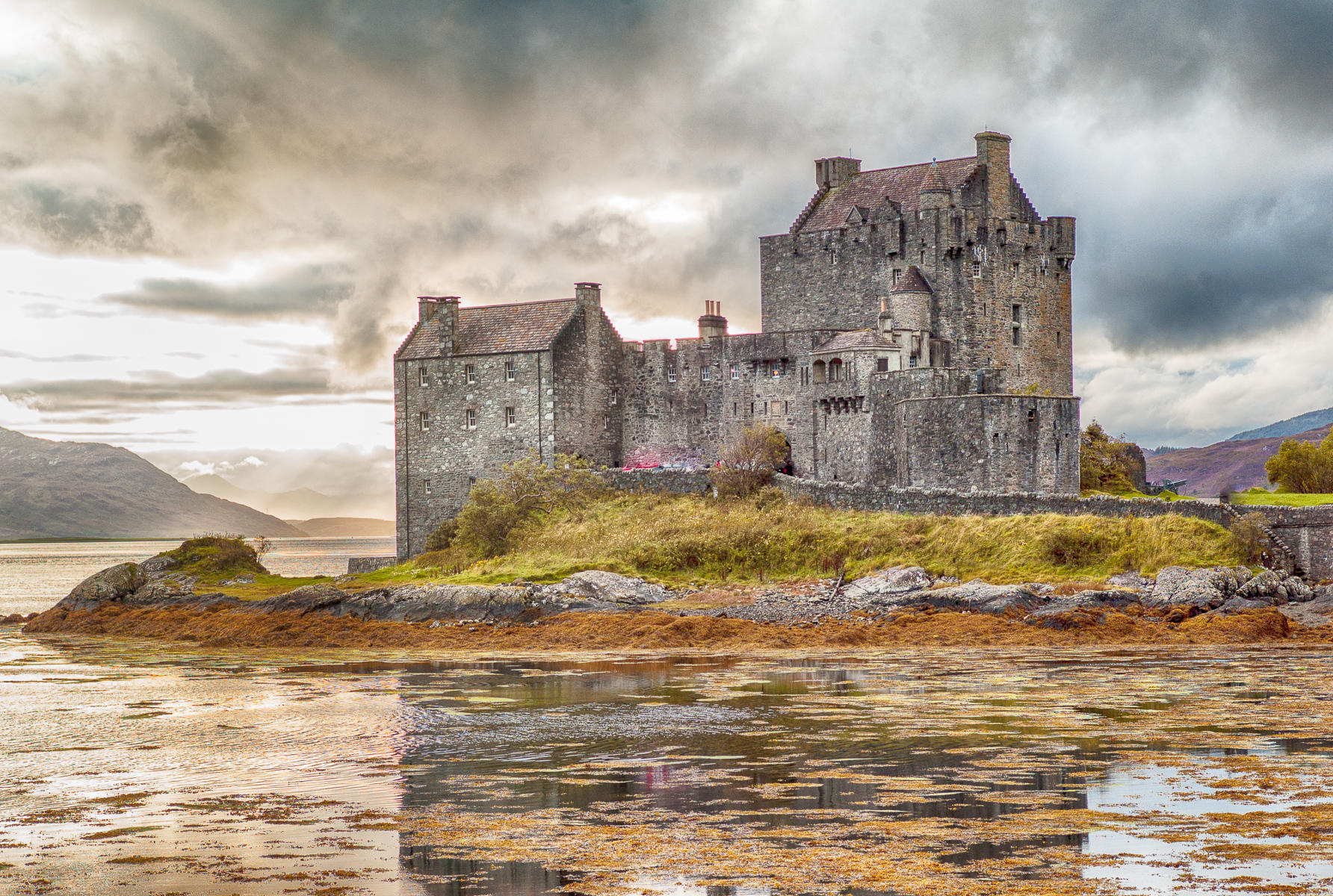 Eilean Donan Castle, Scotland : street & stories : TIMOTHY FLOYD PHOTOGRAPHER, NATURE PHOTOGRAPHY, PHOTO ESSAYS, PHOTOJOURNALISM