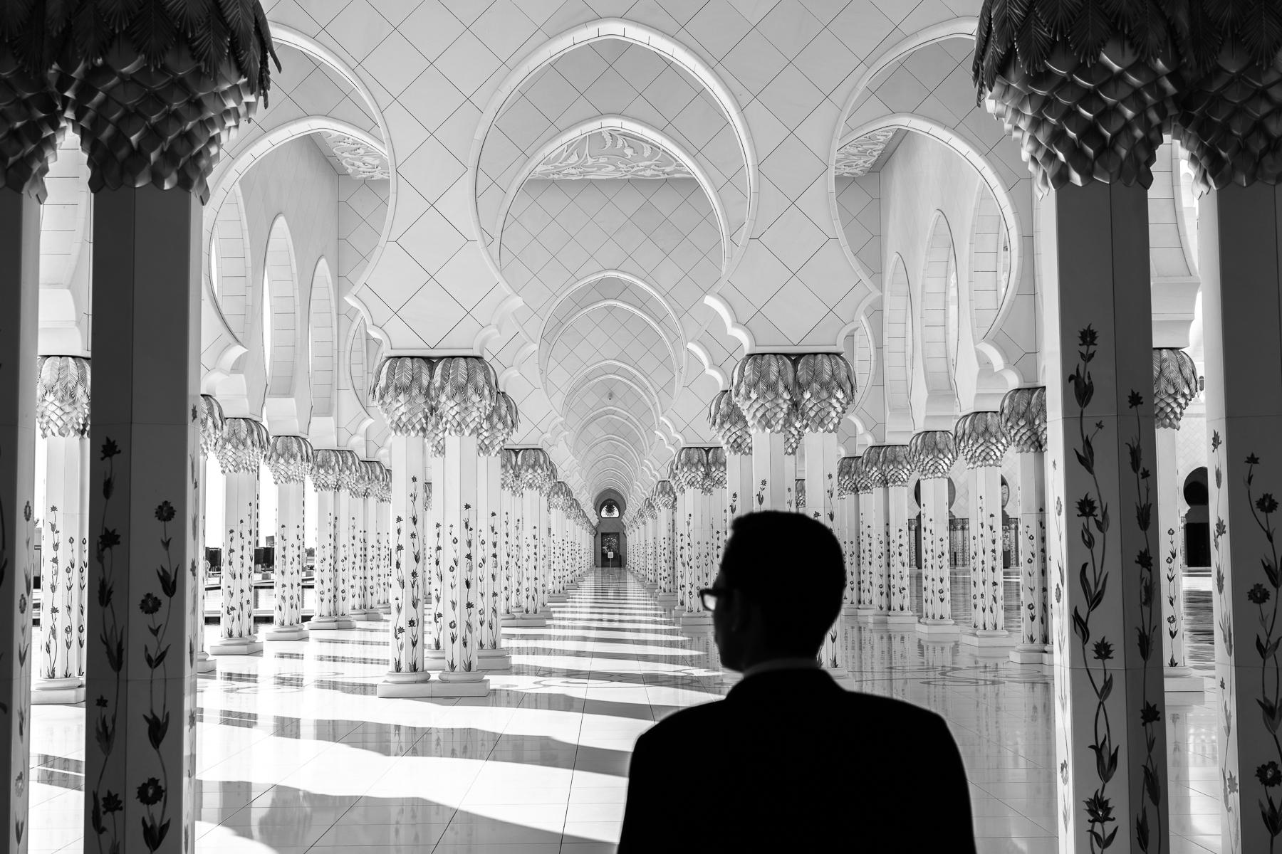 Grand Mosque, Abu Dhabi : street & stories : TIMOTHY FLOYD PHOTOGRAPHER, NATURE PHOTOGRAPHY, PHOTO ESSAYS, PHOTOJOURNALISM