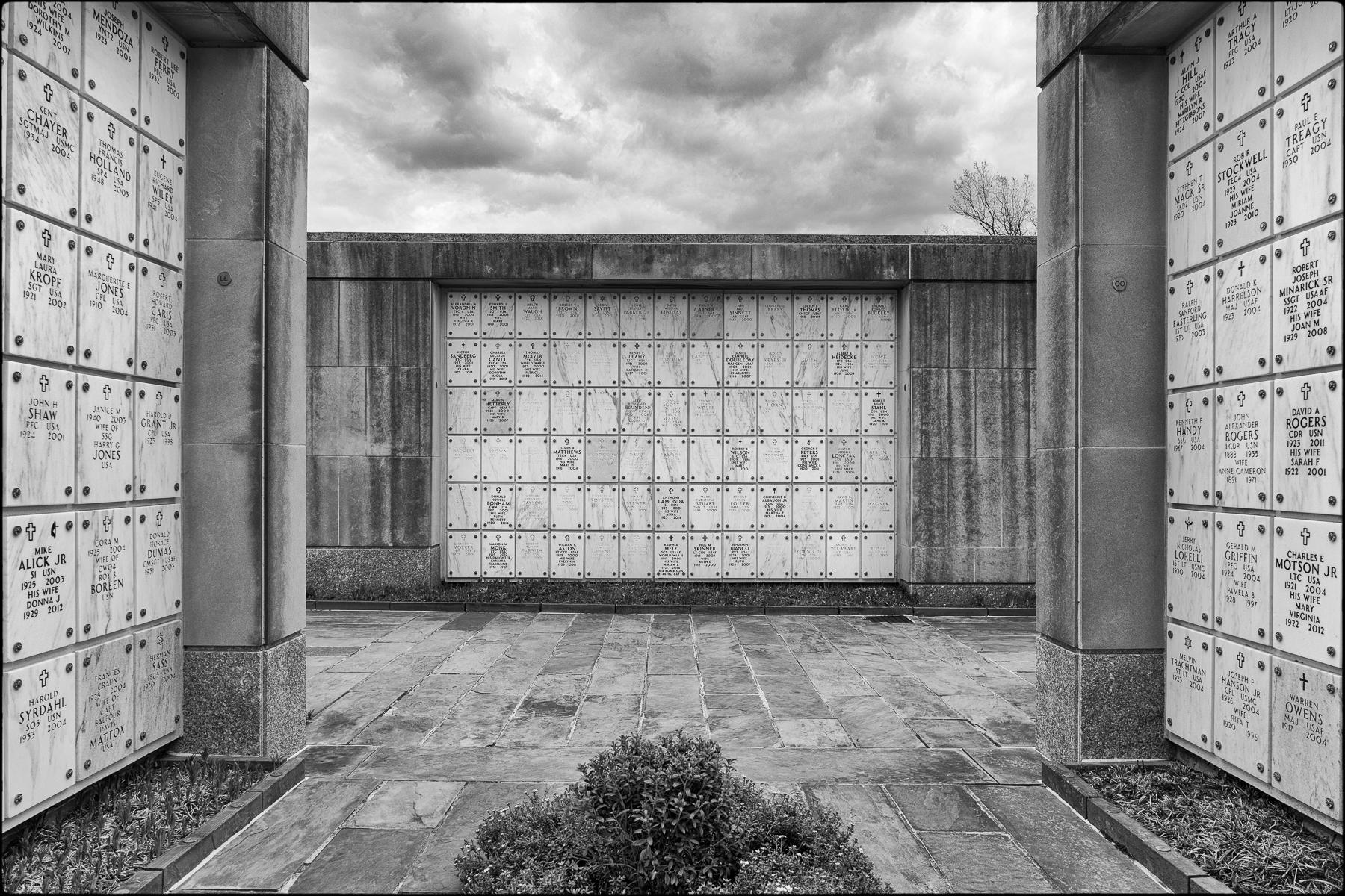 Columbarium, Arlington National Cemetery : street & stories : TIMOTHY FLOYD PHOTOGRAPHER, NATURE PHOTOGRAPHY, PHOTO ESSAYS, PHOTOJOURNALISM